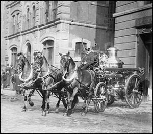 image of horsedrawn fire engine in New York from Library of Congress